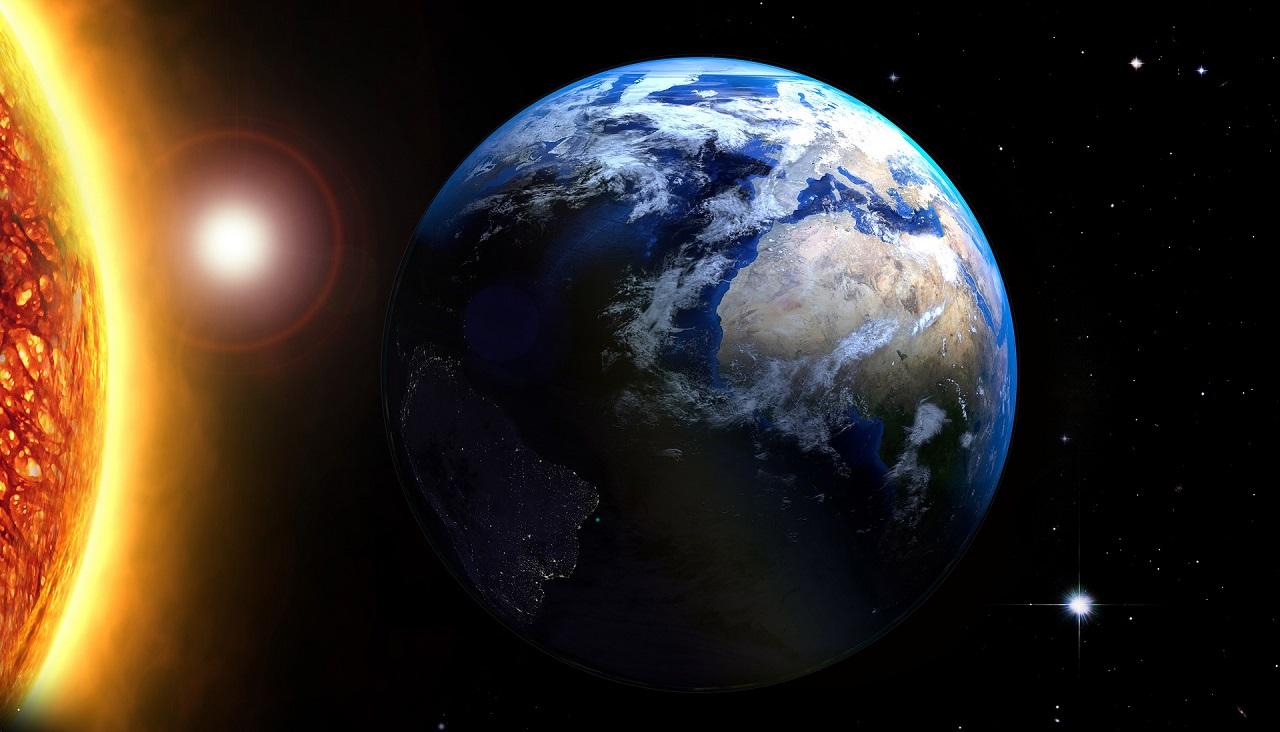 Магнитные бури 2021: Солнце выбросило фонтан плазмы размером с планету ВИДЕО
