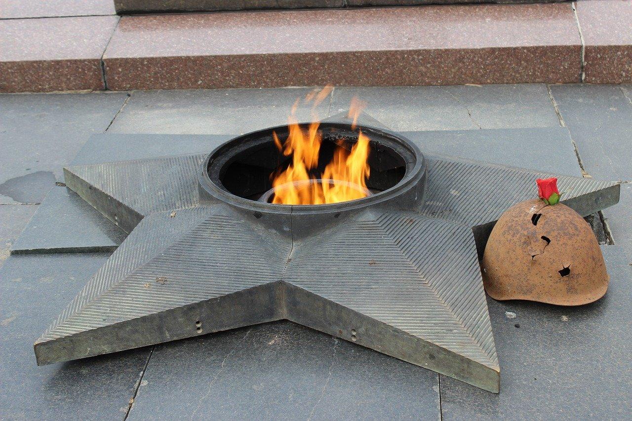 Память о героях: газ к мемориалам Вечный огонь на Южном Урале будут поставлять бесплатно