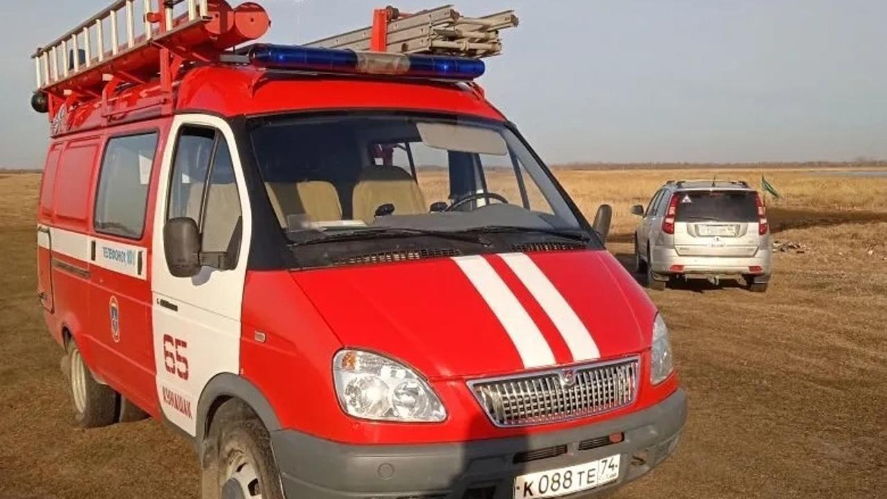Двое замерзли, один умер: в Челябинской области спасатели нашли рыбаков с помощью дрона