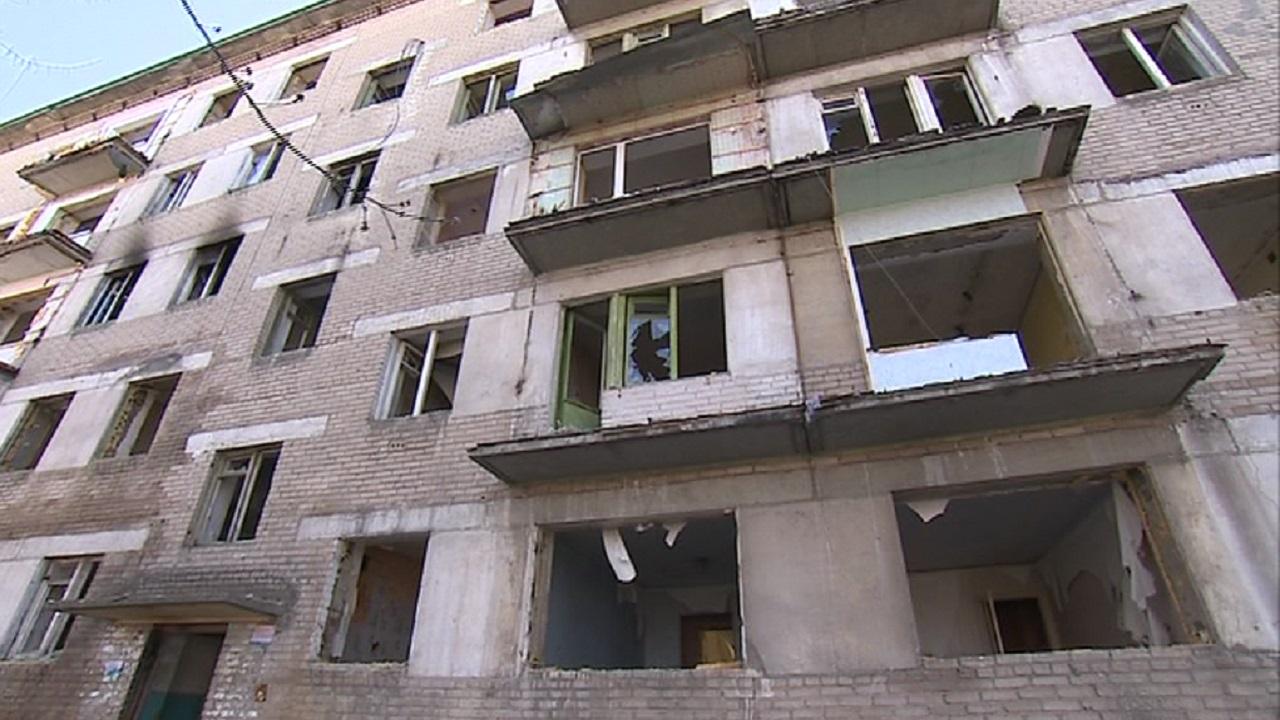 Снести нельзя оставить: прокуратура требует закрыть доступ к 5-этажке в Челябинске