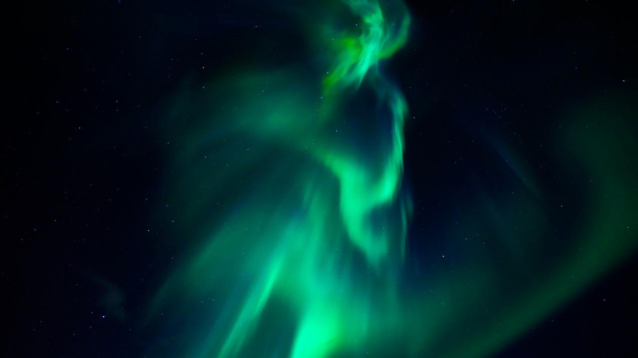 Волшебный танец: в небе над Уралом заметили полярное сияние