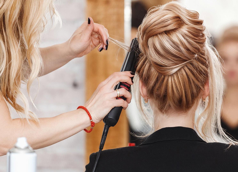 Лунный календарь стрижек на май: в какие дни не стоит стричь и красить волосы