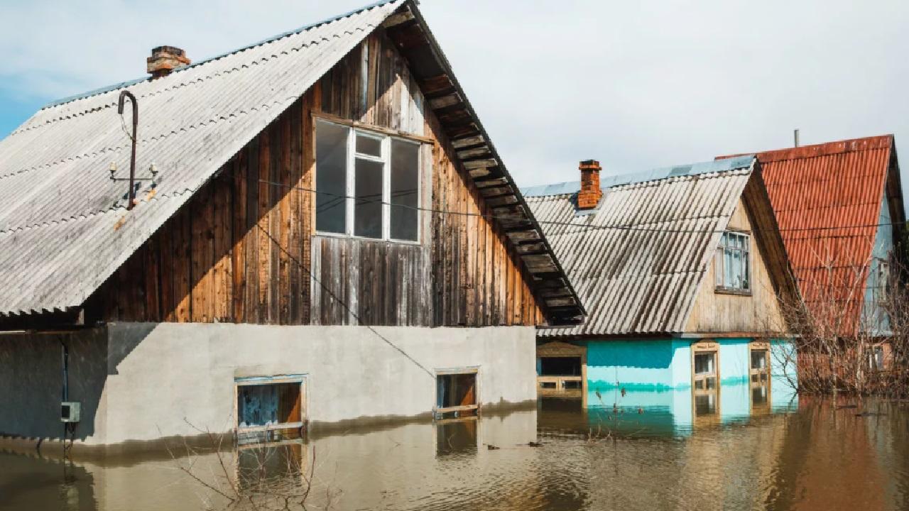 Спасли от прорыва плотины: поселку в Челябинской области грозило затопление