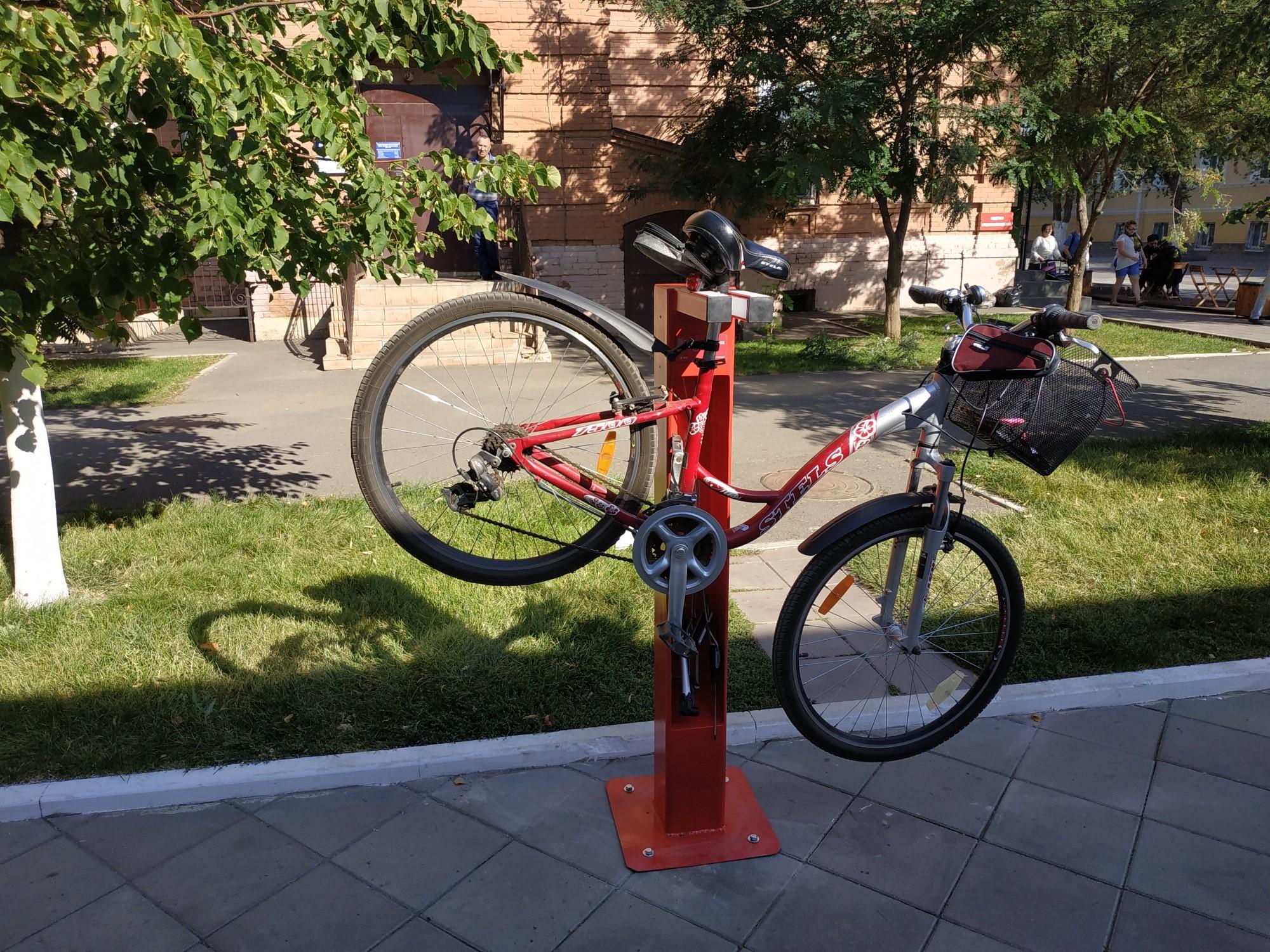 В Челябинске появятся 2 уличные станции для ремонта велосипедов