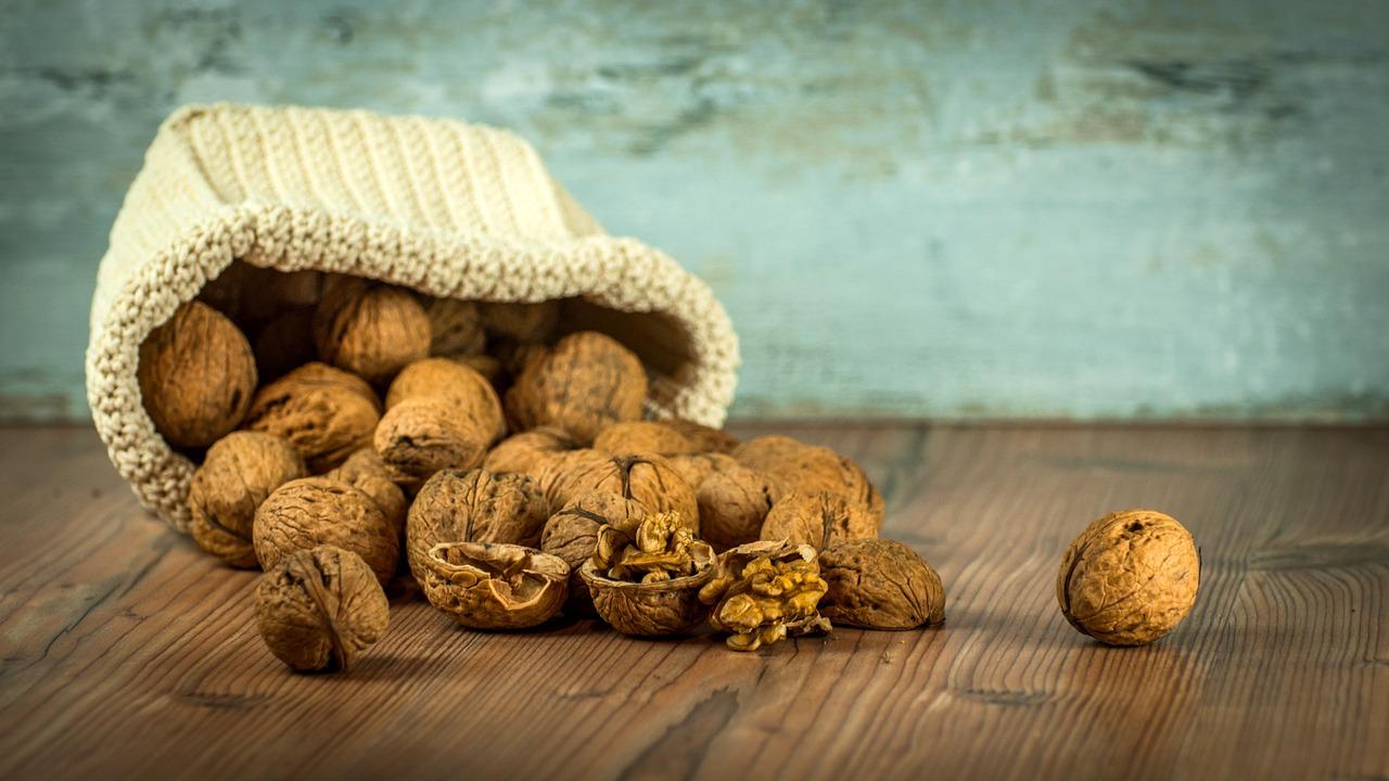 Грецкие орехи: польза, вред и ограничения