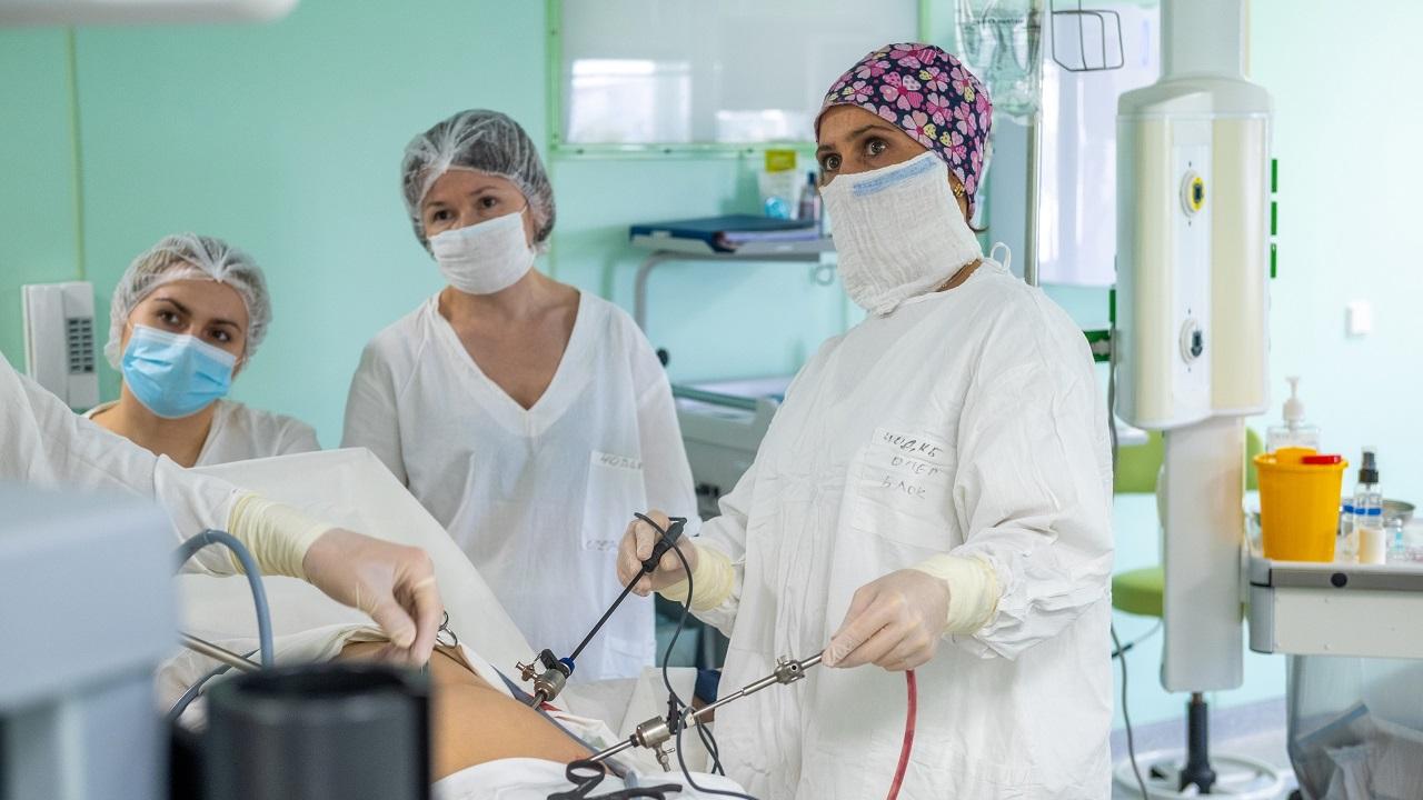 Размером с тарелку: врачи в Челябинске обнаружили огромную опухоль у ребенка