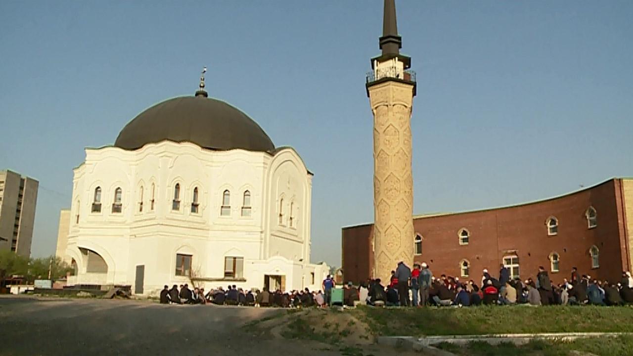 Ураза-байрам в 2021 году: как мусульмане на Южном Урале встретили праздник