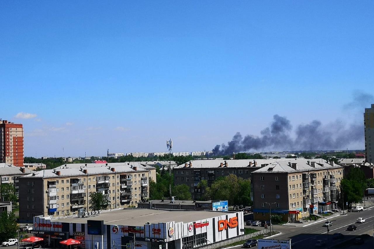 Пожар грозит расшириться: 2 жилых дома вспыхнули на Южном Урале ВИДЕО