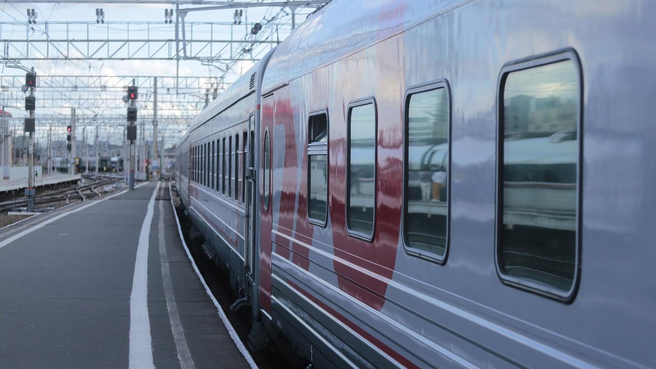 Реальный сценарий: спасатели отрабатывают учебное ЧП на вокзале Челябинска