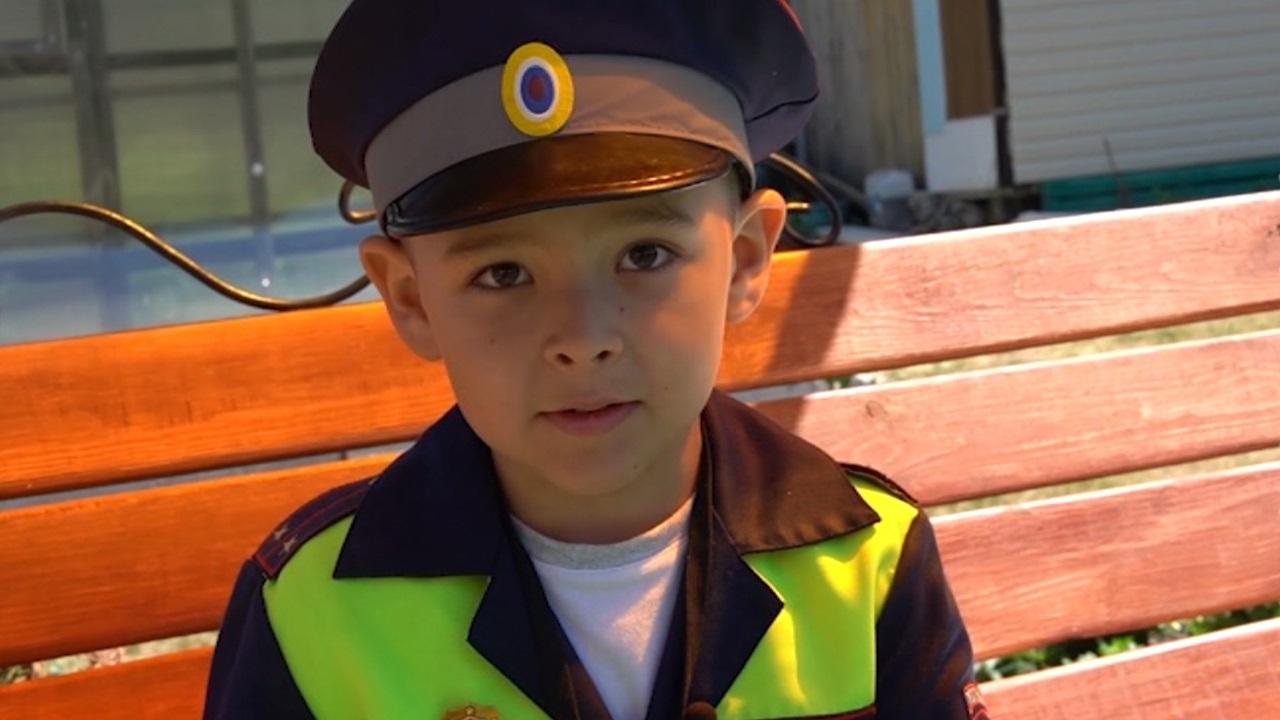 В Челябинской области 5-летий мальчик стал сотрудником ГИБДД