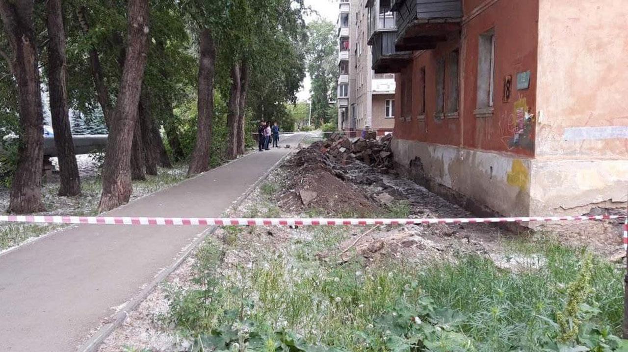Многоквартирный дом с рухнувшей стеной в Челябинске снесут