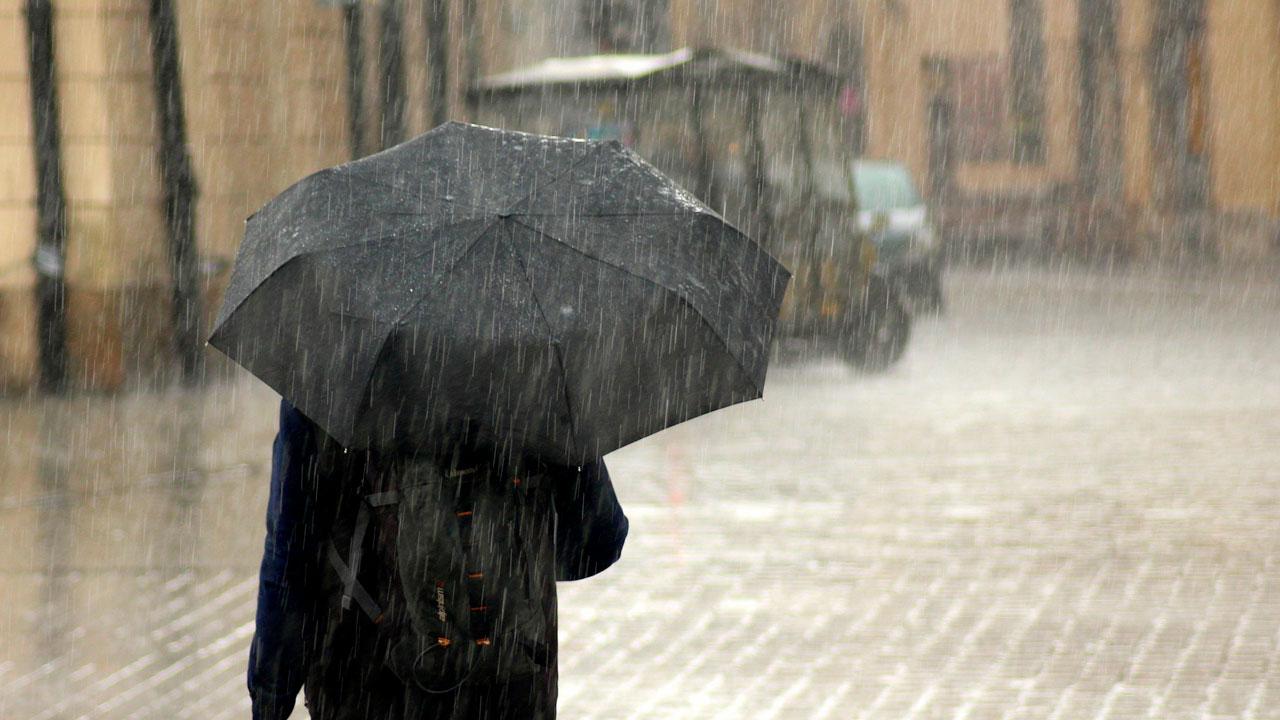 Мощный ливень с градом обрушился на Челябинскую область ВИДЕО
