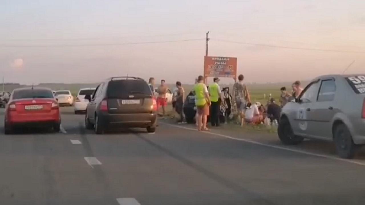"""""""Все в крови"""": лобовое столкновение на Южном Урале, есть пострадавшие ВИДЕО"""