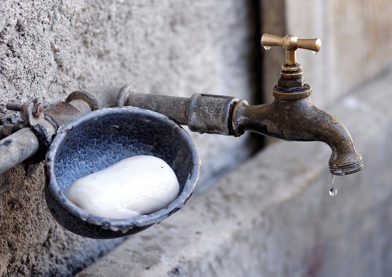 Стало известно, когда отремонтируют аварийный водопровод в южноуральском поселке