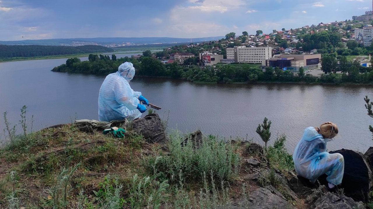 «Здесь больше не будет Васи»: гору на Южном Урале очистили от надписей