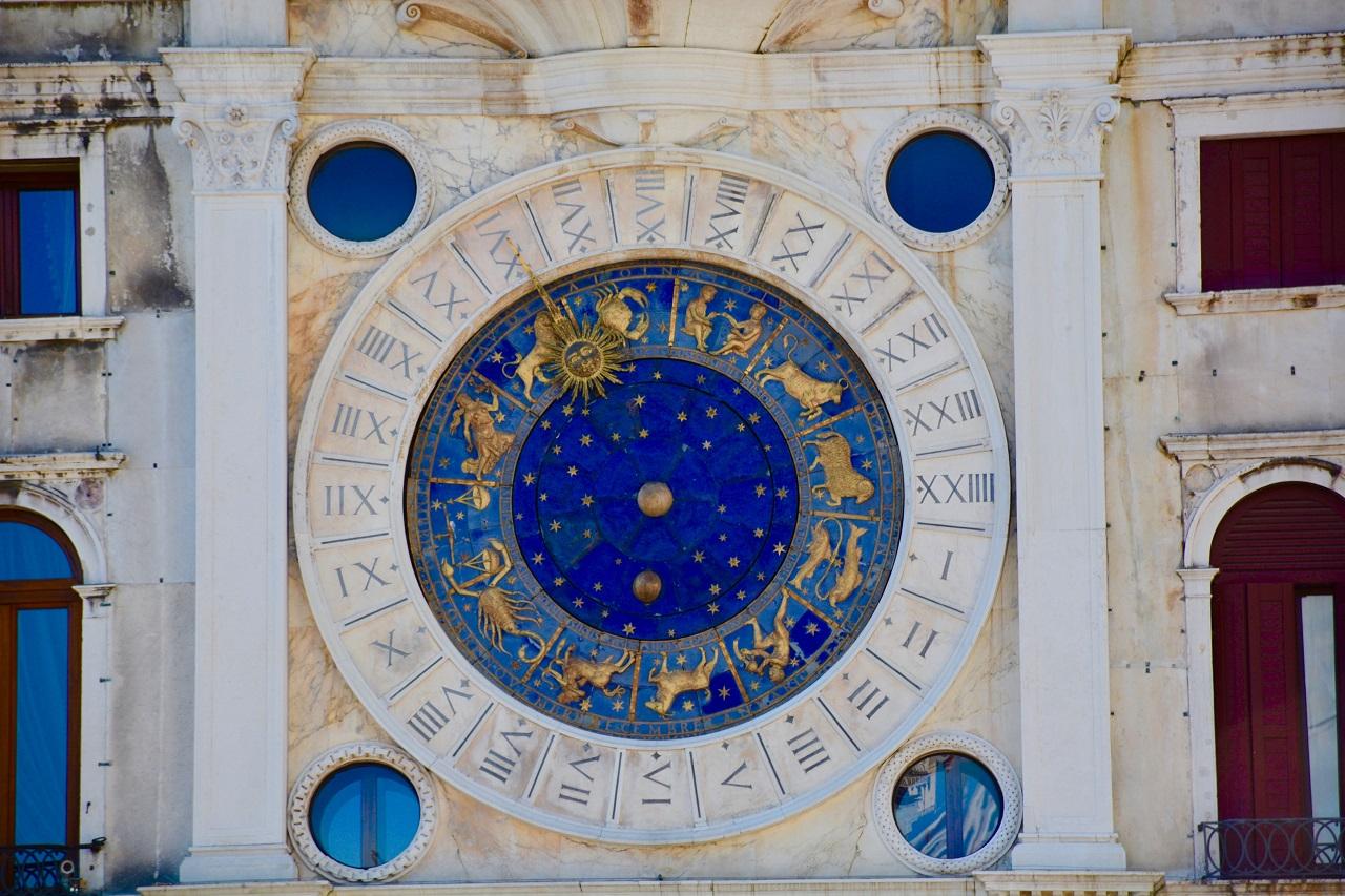 Гороскоп совместимости: знаки зодиака, восточный календарь и нумерология