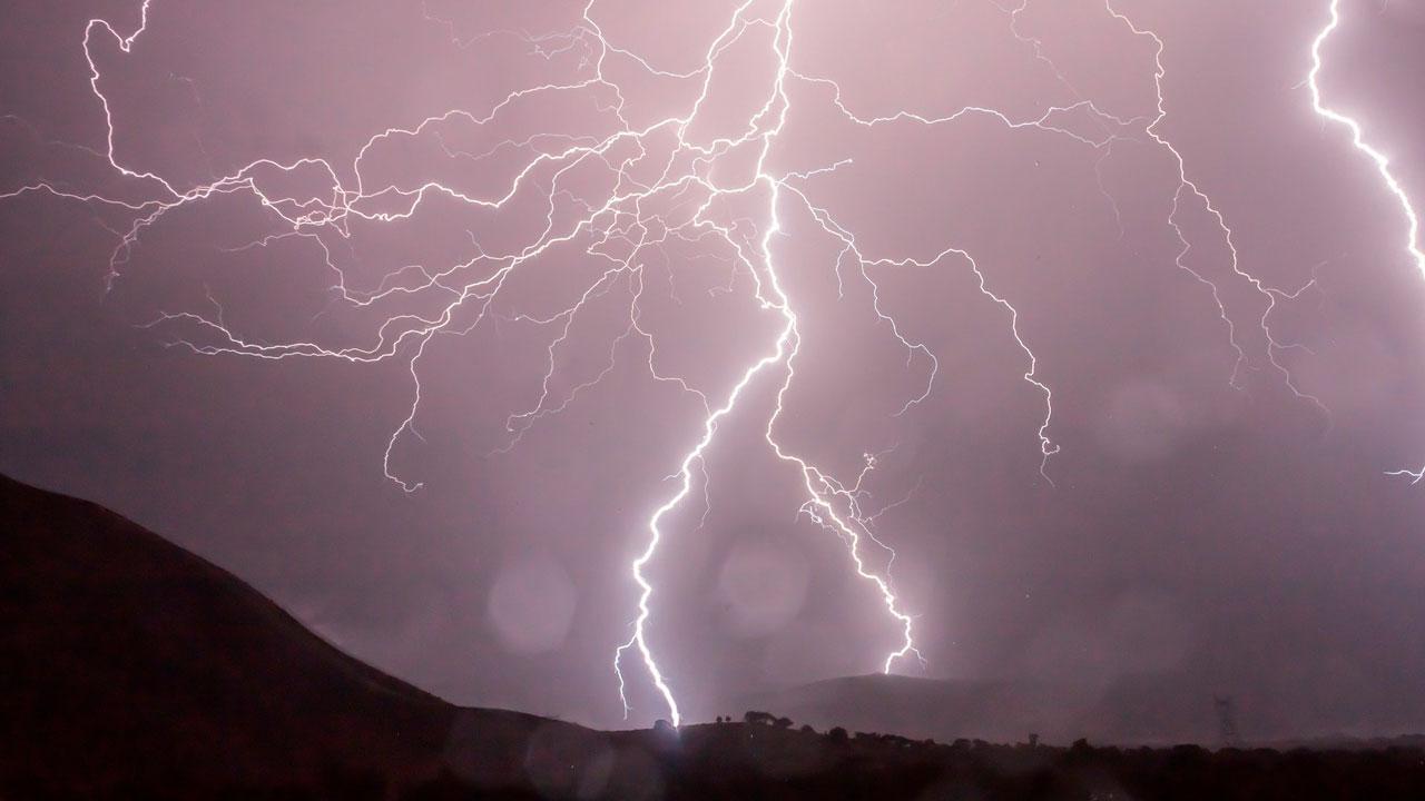Опасная погода в Челябинске: МЧС объявило штормовое предупреждение