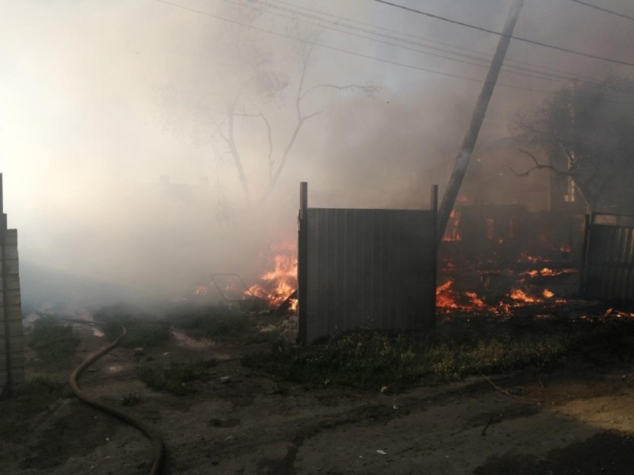 Чудом избежали взрыва: крупный пожар произошел в Челябинске