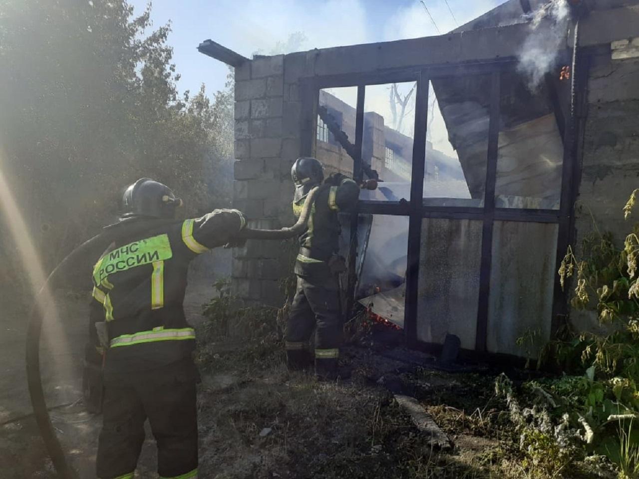Три жилых дома сгорели в Челябинске ВИДЕО
