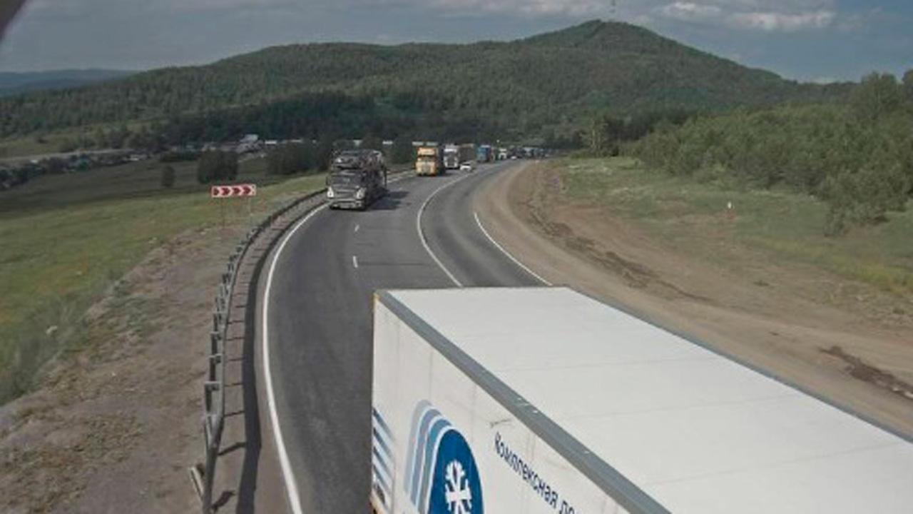 Трасса М5 в Челябинской области встала в гигантскую пробку