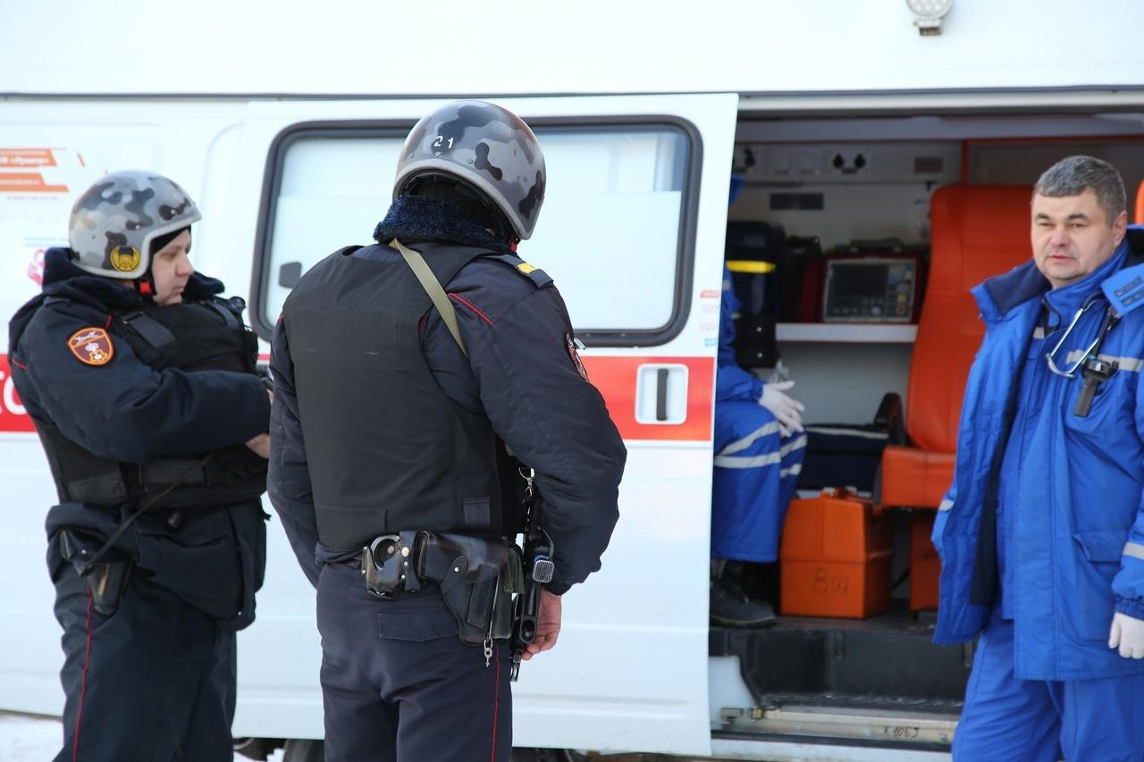 В Челябинске мужчина напал на сотрудников скорой помощи