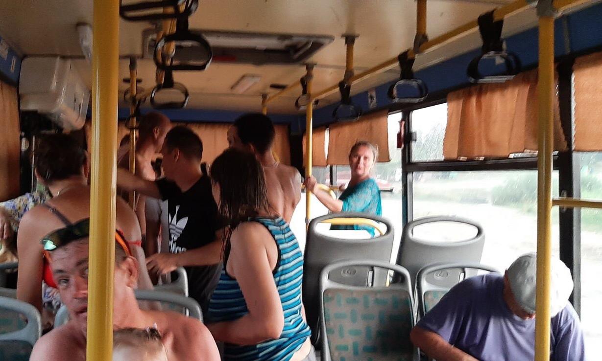40 человек, среди которых 20 детей, эвакуированы с пляжа в Челябинской области