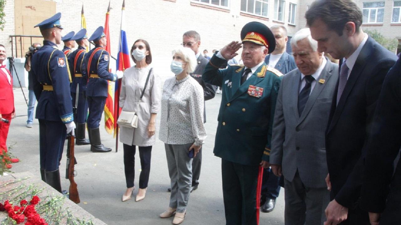 К юбилею разведчика Николая Кузнецова обновили памятник в Челябинске