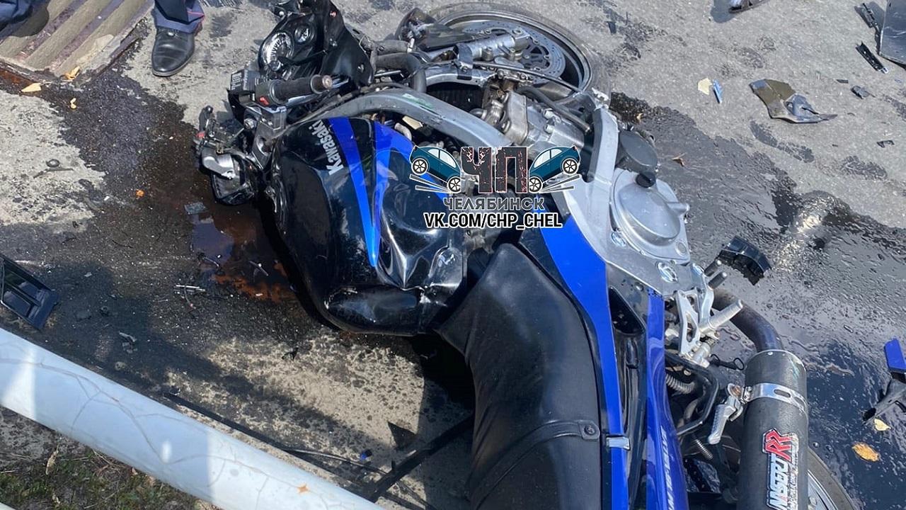 «Рыдал от боли». Жуткое ДТП с мотоциклистом в Челябинске