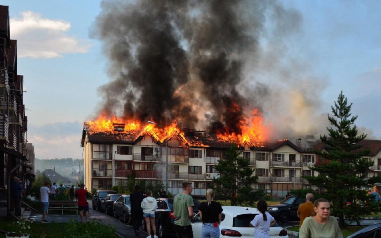 Стало известно, за чей счет восстановят в Челябинске дом, пострадавший от удара молнии