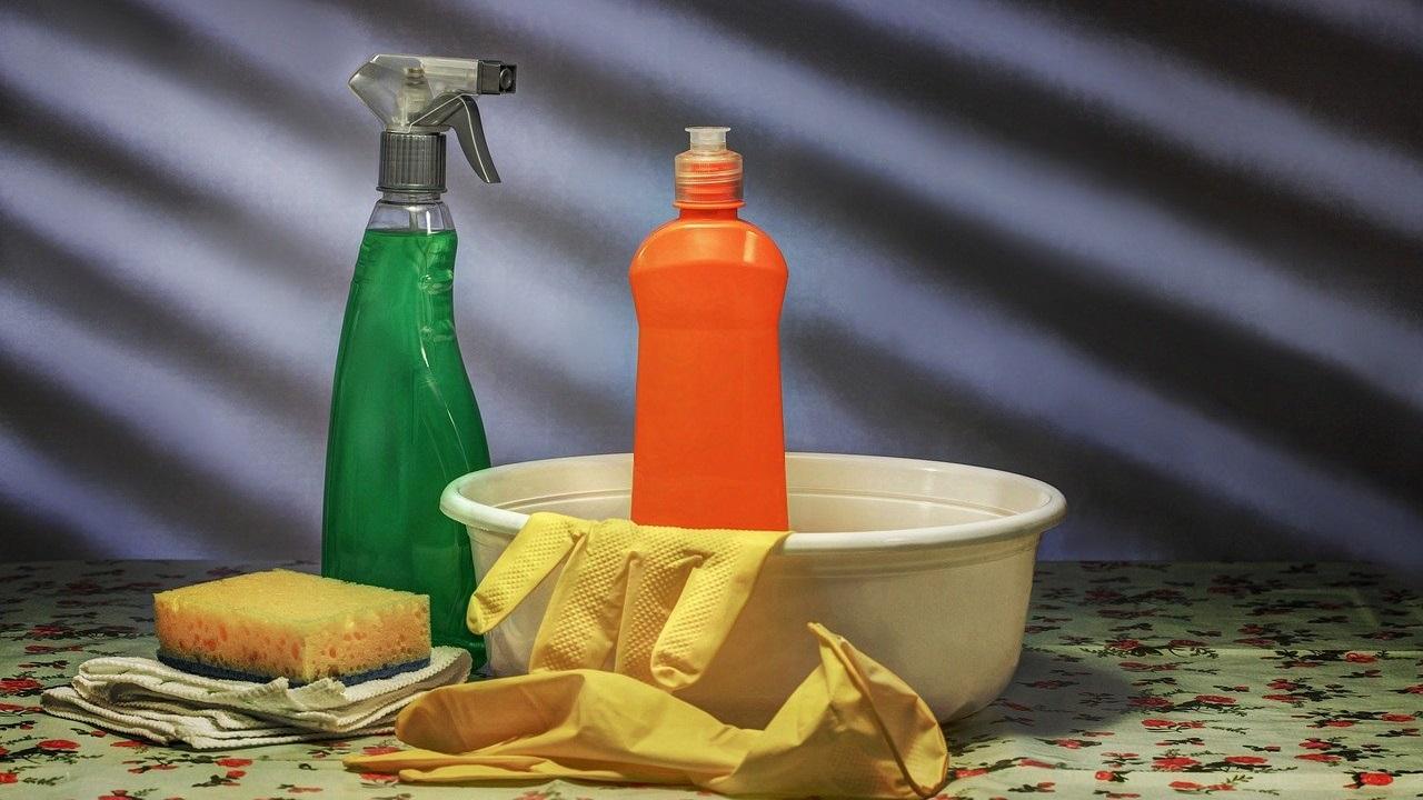 Приметы и поверья: что можно и нельзя делать во время уборки