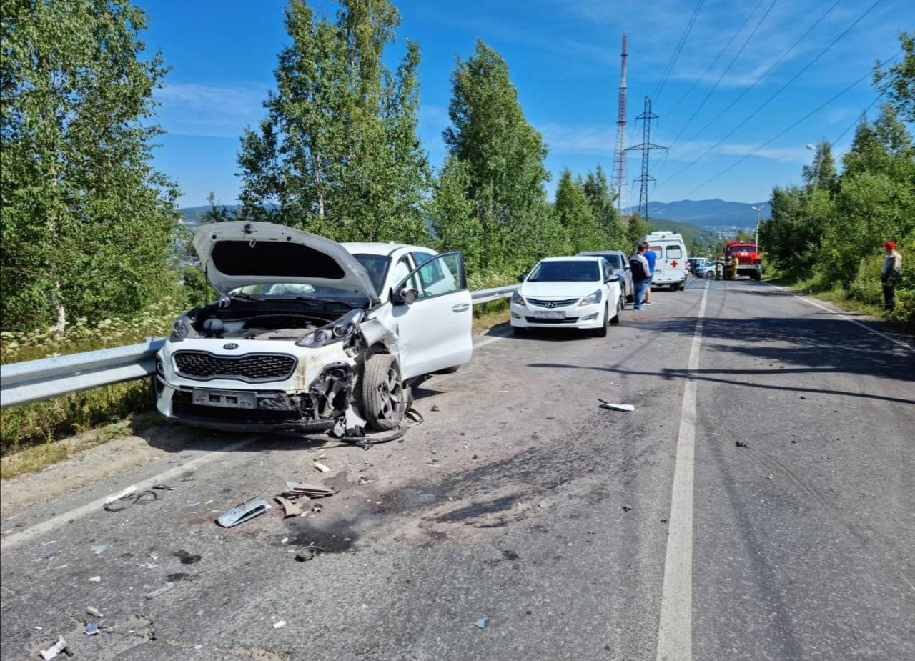 ВАЗ всмятку: массовое ДТП в Челябинской области, есть раненый