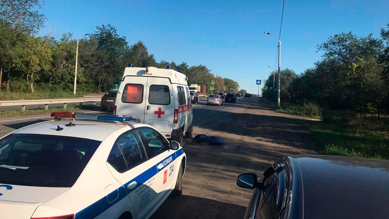 Выпрыгнула из машины на ходу: пациентка скорой погибла в Челябинске