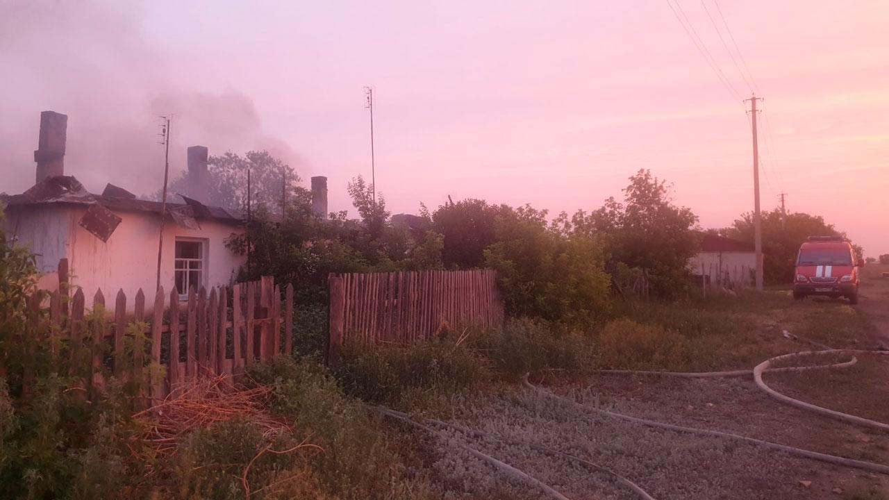 Мужчина погиб при ночном пожаре в бараке в Челябинской области