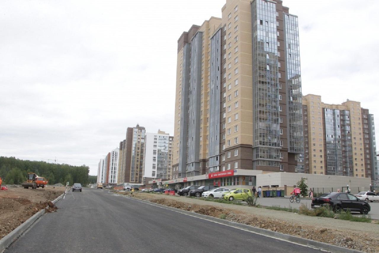 Дороги, дворы и прогулочные зоны: как проходит летнее благоустройство Челябинска