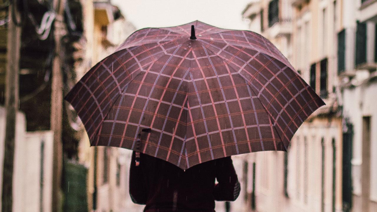 Погода в Челябинской области: надвигаются дожди, грозы и сильный ветер