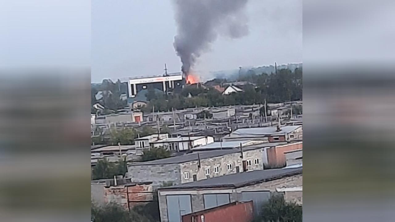 Горело 6 квартир: в Челябинске произошел крупный пожар в жилом доме ВИДЕО