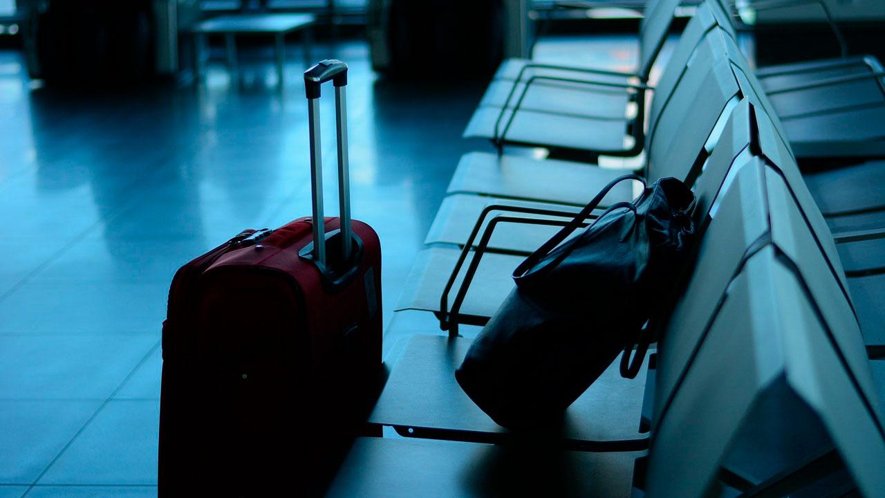 «Рейс улетел вчера»: молодоженов из Челябинска оставили без путешествия