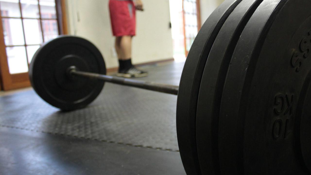 Выжал 325 кг: спортсмен из Челябинска побил мировой рекорд