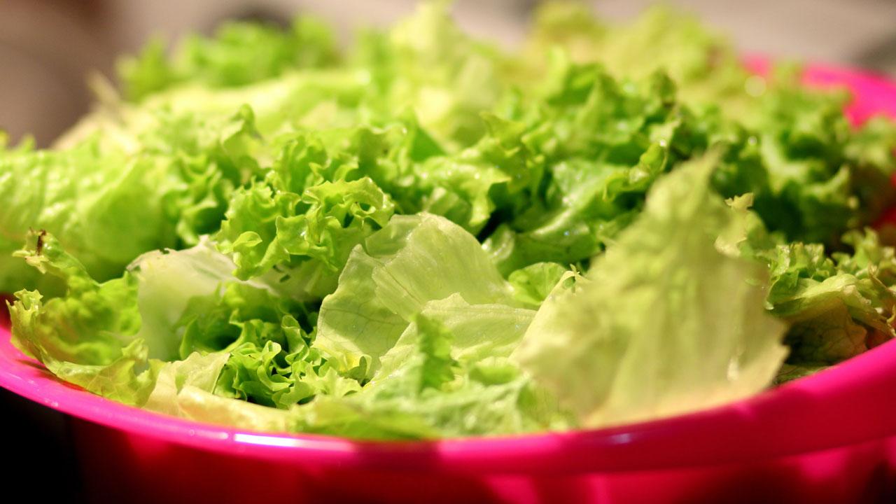 Кладезь витаминов: полезные свойства зелени и ошибки при покупке