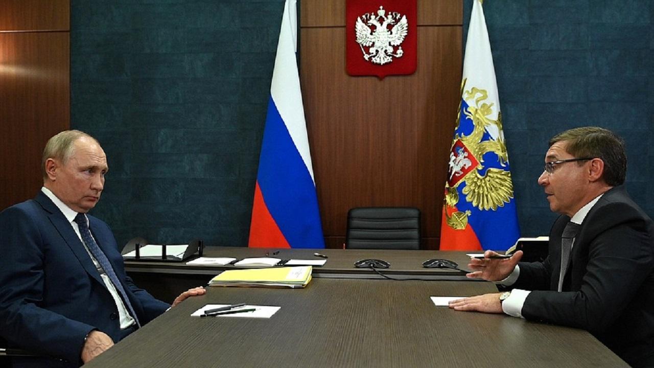 Владимир Путин встретился с полпредом Президента в УрФО Владимиром Якушевым