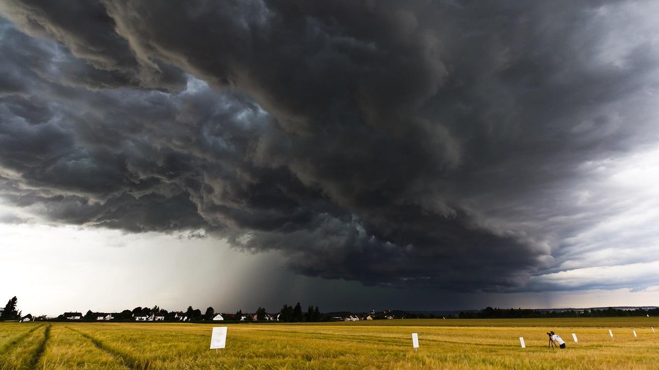 Опасная погода в Челябинской области: бурю и град прогнозируют синоптики