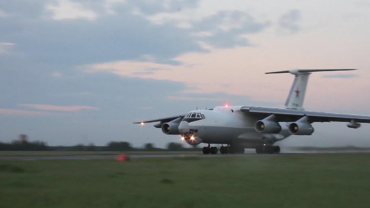 В День ВВС южноуральские лётчики показали отработку самых сложных элементов