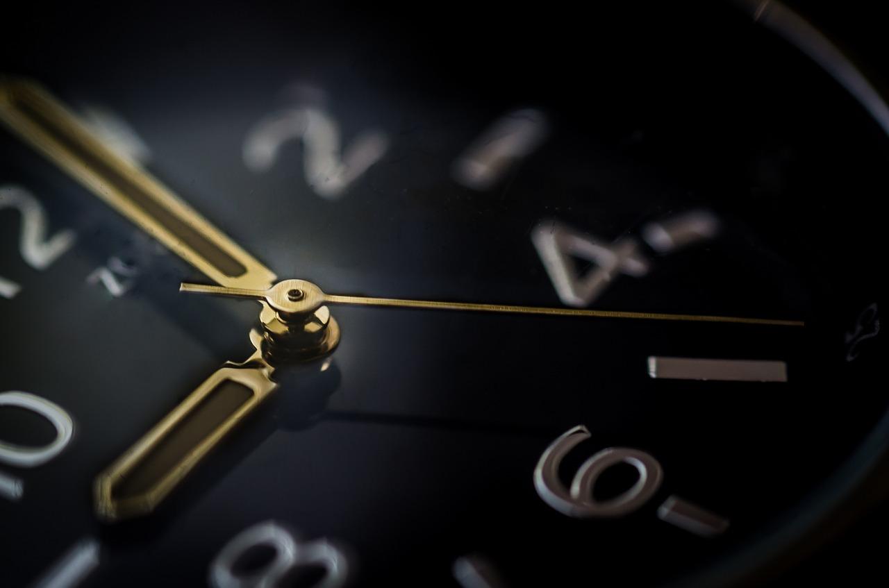 Почему нельзя дарить: о чем говорят приметы, связанные с часами
