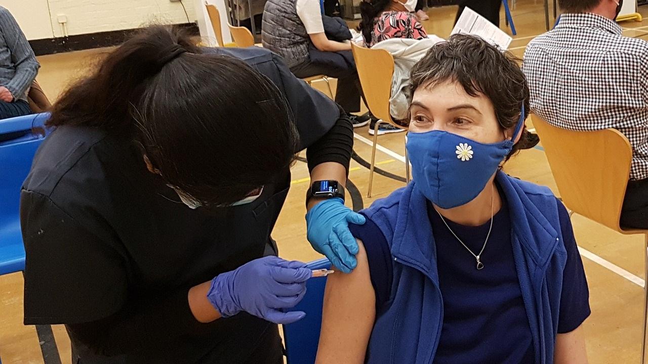 Где поставить прививку от коронавируса в Челябинске и области в выходные дни