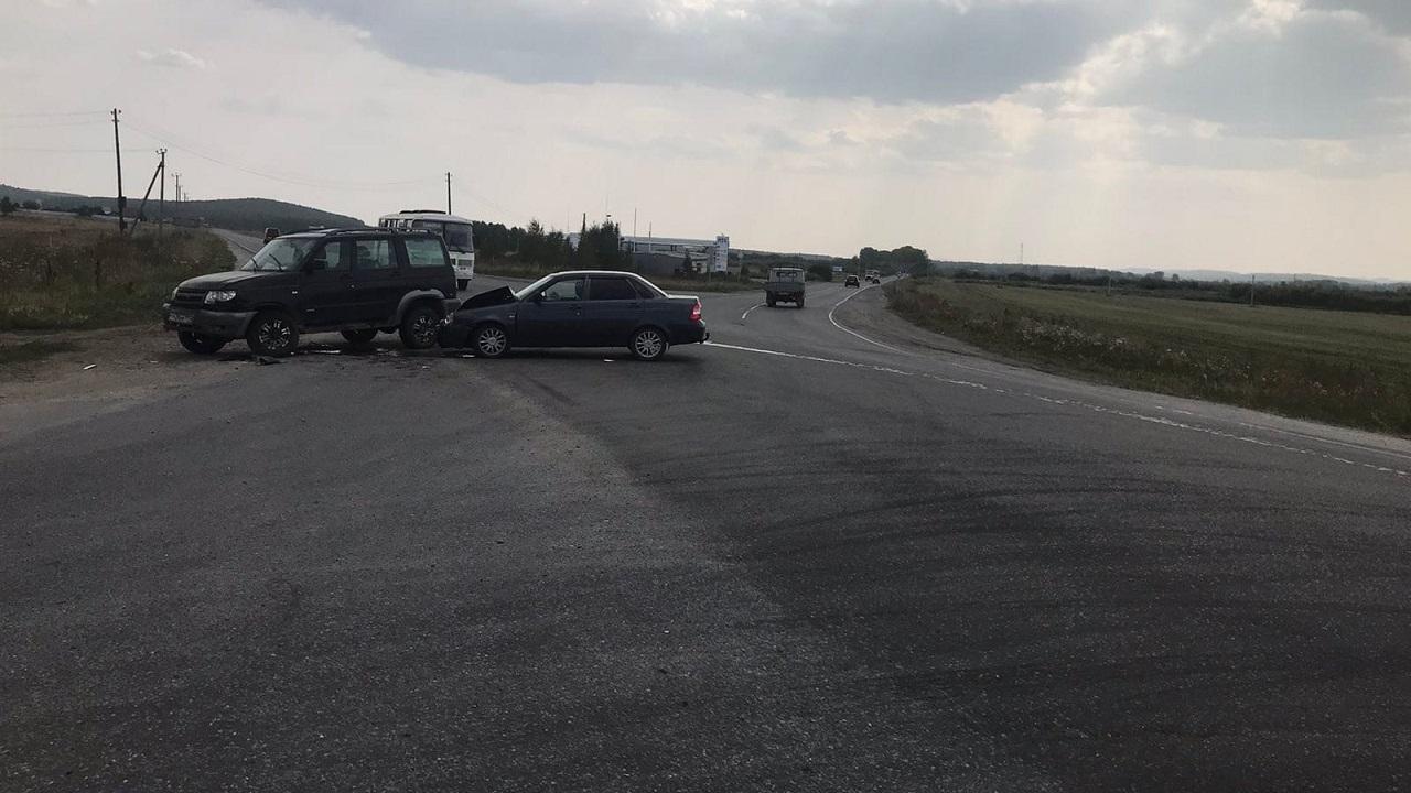 Не уступил дорогу: в ДТП в Челябинской области пострадали 4 человека