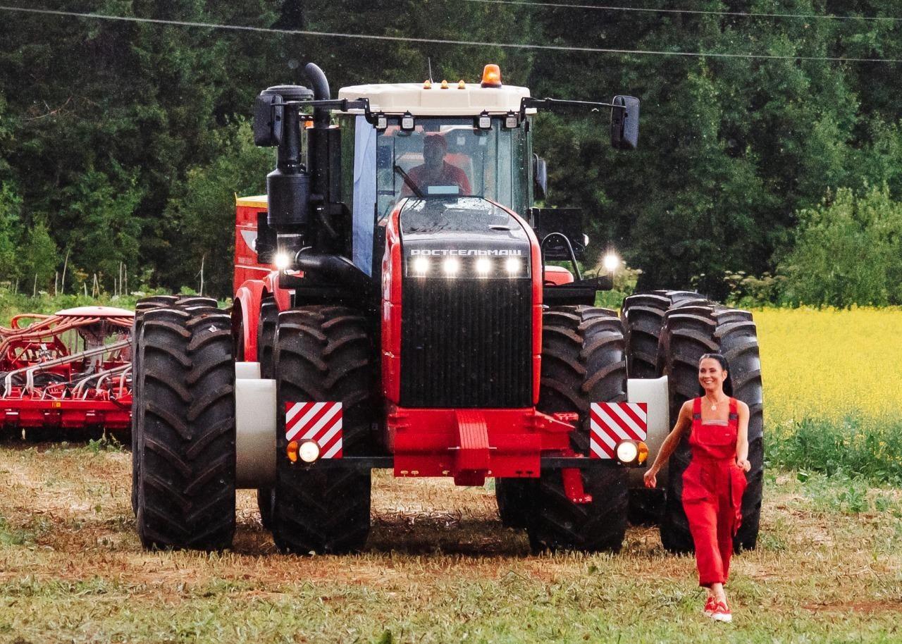 Аграриям Челябинской области представили современные модели техники
