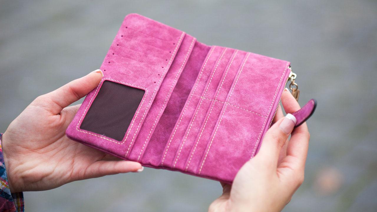 Как привлечь деньги: 5 вещей, которые нельзя держать в кошельке