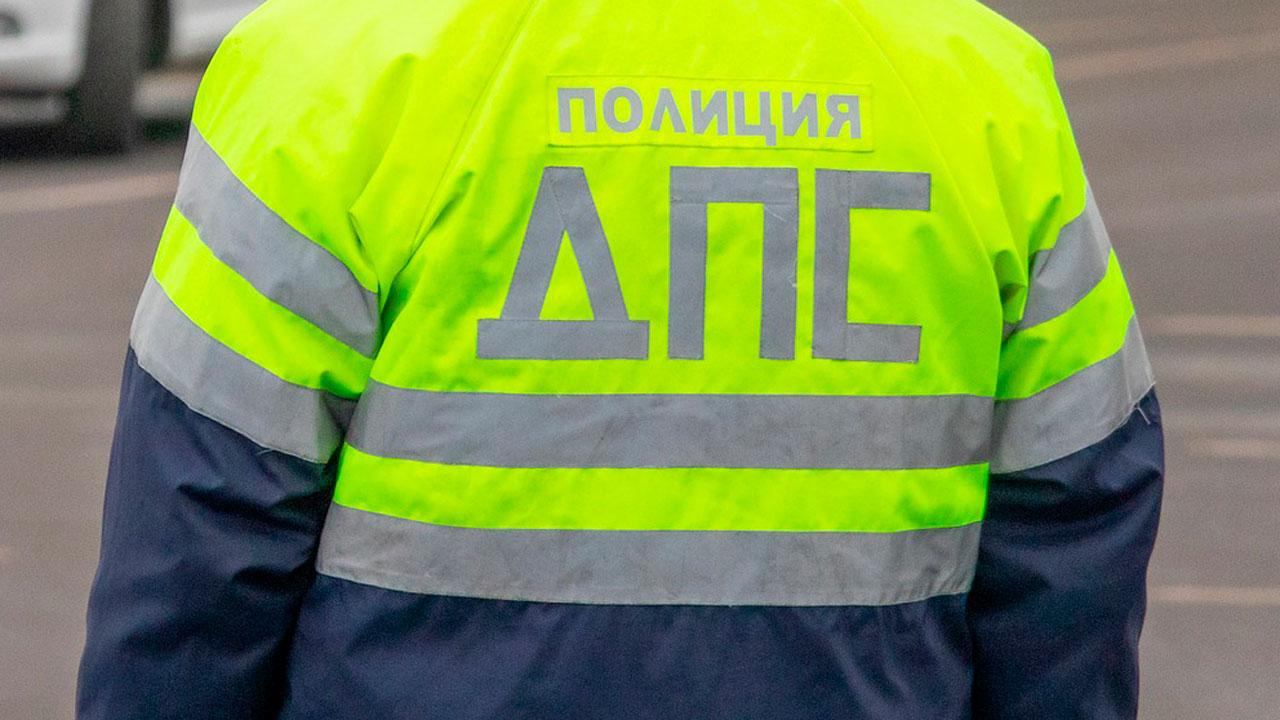 Микроавтобус сбил мужчину на пешеходном переходе в Челябинске