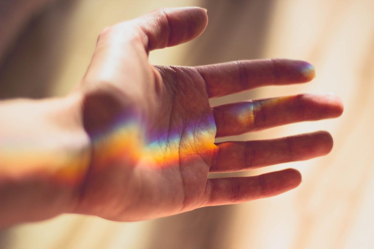 Жулик, лицемер и глупец: как узнать характер человека по рукам