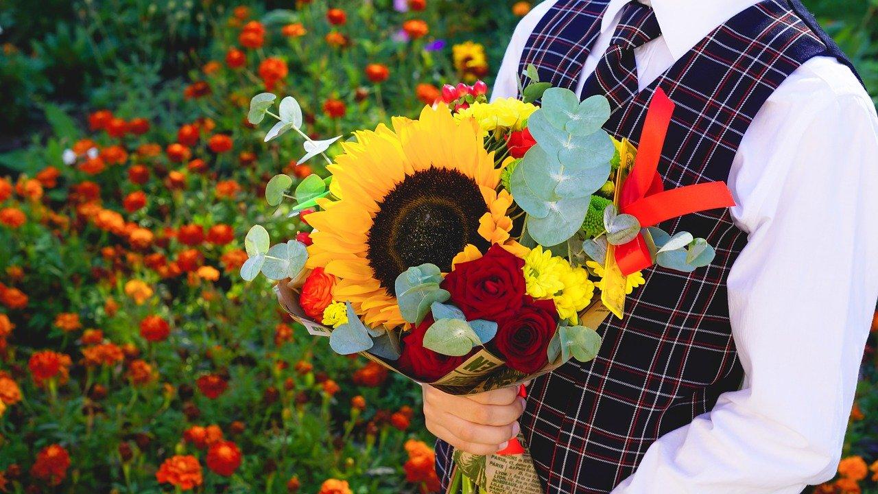 Флористы назвали среднюю цену букетов в Челябинске на 1 сентября
